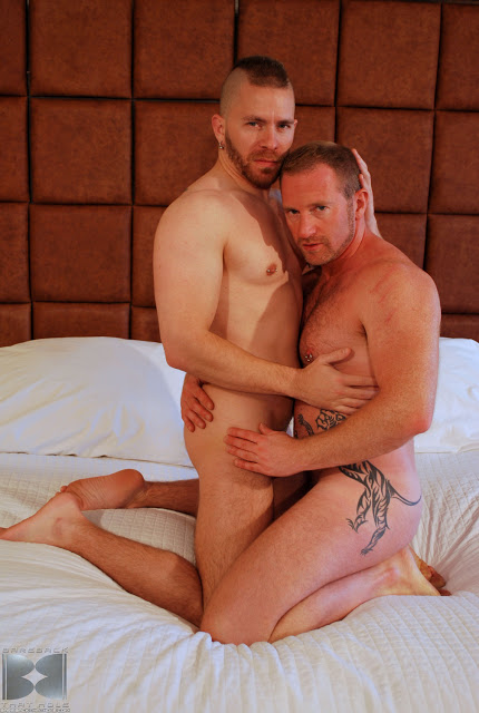 porn_addicted_bear_Adam_Faust_and_Butch_Bloom_01.jpg